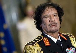 СМИ: Каддафи все еще находится в своей резиденции, вокруг которой идут бои