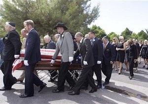 Тони Кертиса похоронили с любимым iPhone