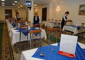 Рада отреагировала на фейковую новость об официантке, плюющей в еду депутатов