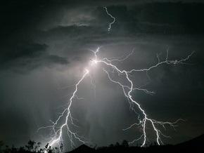 В Индии после удара молнии погибли десять человек