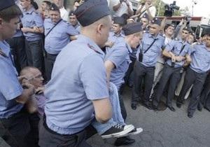 В Москве на Триумфальной площади задержали двоих оппозиционеров