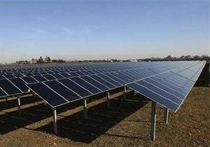 Украина не делает  показухи  из строительства солнечной электростанции - Янукович