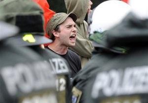 На демонстрации в Берлине произошел взрыв. Ранены полицейские