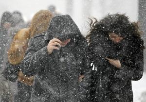 В Украине объявлено штормовое предупреждение, ГАИ просит водителей быть осторожными