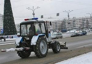 Белорусских гаишников пересадили на тракторы