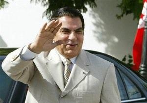 Свергнутому президенту Туниса предъявили обвинения по 18 статьям
