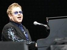 Элтон Джон распродает свои рояли