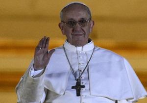 Новый Папа Римский отказался от личного лимузина