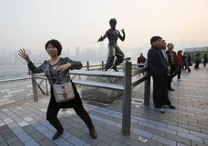 Китай будет наказывать своих туристов за неподобающее поведение в других странах