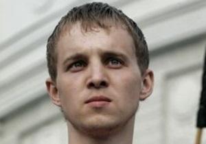Белорусского оппозиционера Дашкевича обвиняют в драке с использованием гвоздодера