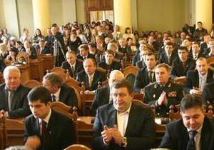 Половина львовских депутатов отказались сообщить журналистам о своих доходах