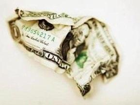 На межбанке снижается курс доллара