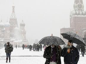 Апрельский снег на московских дорогах привел к десяткам ДТП