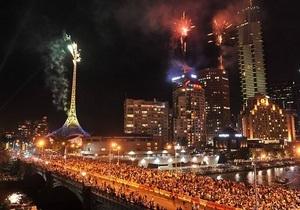 В Мельбурне во время новогоднего фейерверка сгорел шпиль Центра искусств