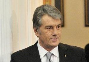 Ющенко готов жить  на вокзале , если Янукович отнимет у него госдачу