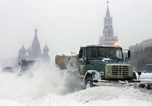 Москву парализовал сильный снегопад