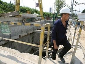 Работникам Киевметростроя платят ползарплаты