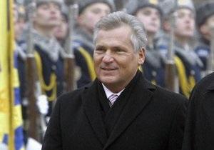 Не смешивайте спорт с политикой. Экс-президент Польши выступил против бойкота Евро-2012 в Украине