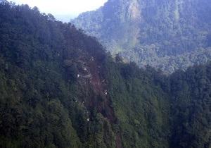 В Индонезии нашли черный ящик SSJ-100 в полукилометровом ущелье