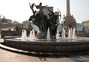 На Майдане Незалежности в связи с подготовкой к зиме демонтированы фонтаны