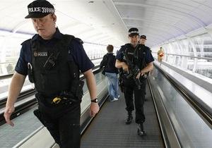 В аэропорту Heathrow задержали двух подозреваемых в терроризме