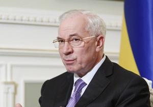Азаров поручил проверить учебные заведения по поводу закупок детского питания