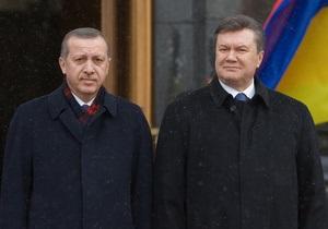 Украина и Турция начали процесс по отмене визового режима