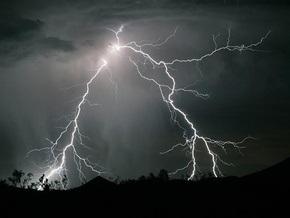 Во Львовской области от удара молнии погиб мужчина