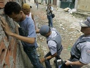 В бразильском Сан-Паулу произошли столкновения между жителями трущоб и полицией