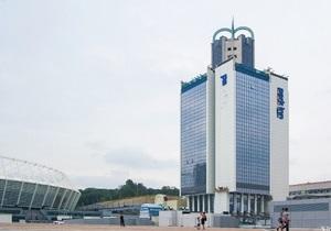В Центре Киева у стадиона Олимпийский горит гостиница - ГЧС