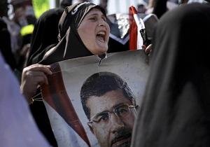 Власти Египта продлили заключение Мурси на 15 суток