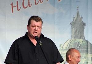 Янукович уволил попавшегося на крупной взятке чиновника