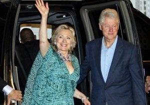 Сегодня  выходит замуж единственная дочь Хиллари и Билла Клинтона