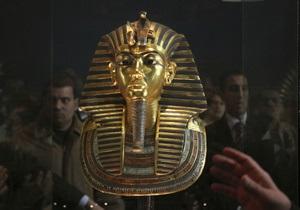 Сокровища Тутанхамона перевозят из Каирского музея