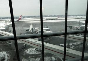 За сутки в Европе отменили около тысячи авиарейсов