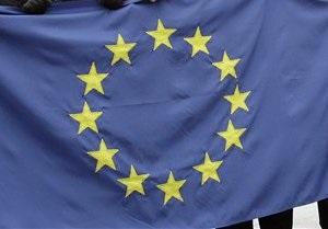 ЕС обеспокоен сближением Украины с ТС, зазывая страну в  европейскую семью