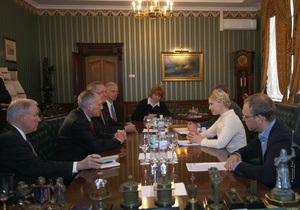 Тимошенко на встрече с сенаторами США: В Украине происходит эрозия демократии