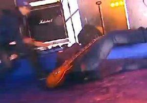 Во время концерта на Майдане едва не погиб гитарист Бумбокса