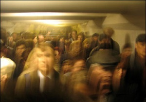 В киевском метро в час пик из-за задымления вагона остановилось движение поездов