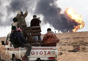Силы НАТО уничтожили три единицы бронетехники Каддафи и укрепились в Сирте