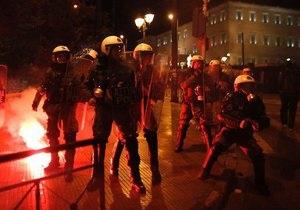 Беспорядки в Афинах: полиция задержала более 100 протестующих