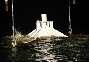 В Мексиканском заливе установлен защитный колокол для откачки нефти