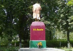 В Сумской области обезглавили очередной памятник Ленину