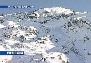 В Кабардино-Балкарии девятерых туристов накрыло лавиной
