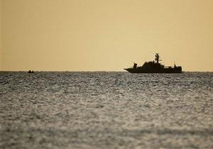 Сухогруз с украинцами и россиянами на борту получил пробоину у побережья Турции