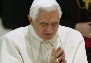 Папа Римский попросил прощения у жертв ирландских священников-педофилов