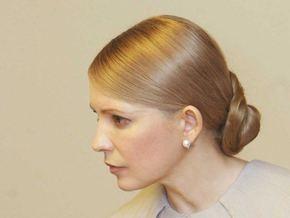 Опрос: Тимошенко лучше других политиков борется с кризисом