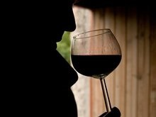 Кабмин повысил акцизный сбор на алкоголь и сигареты