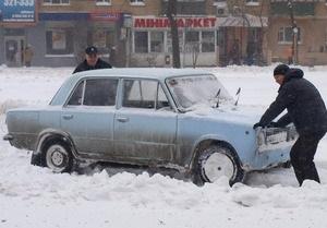 Власти Одессы назвали главную причину пробок в заснеженном городе
