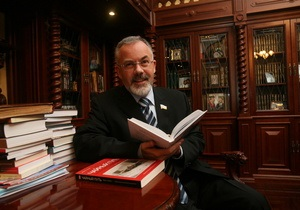 СМИ: Кабмин предлагает изменить правила книгоиздательства в Украине, учитывая закон о языках